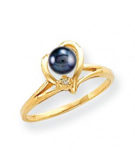 14k 4.5mm Black FW Cultured Pearl AA Diamond ring